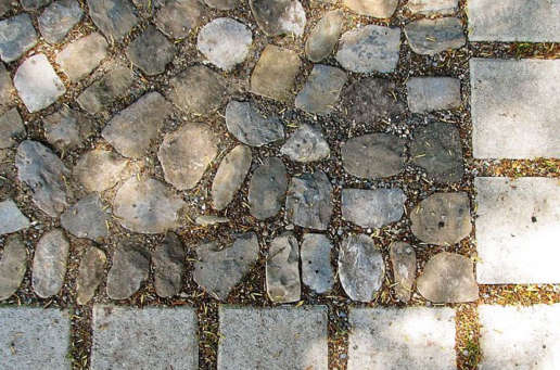Steinarbeiten mit Natursteinen, Natursteinmauern